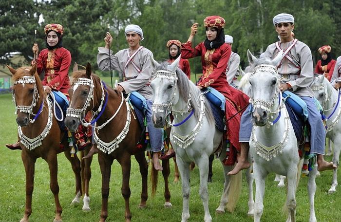 Royal Cavalry of Oman, Queen's 90th birthday celebration, Queen Elizabeth II facts